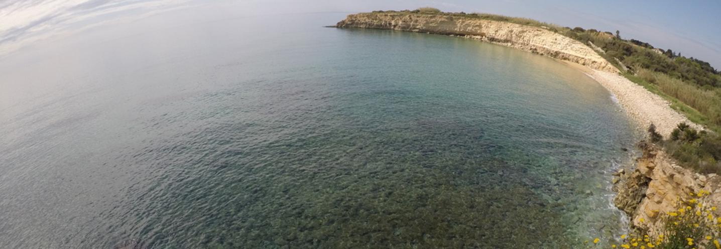 AVOLA – Gallina sud – La pocket beach vista dal promontorio di SO