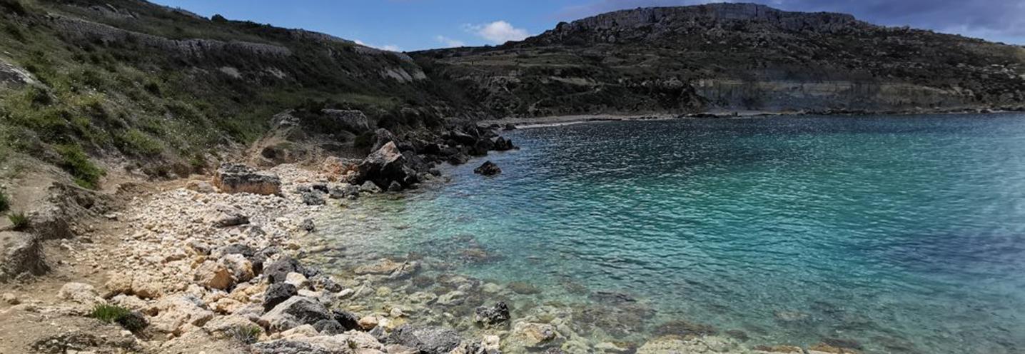 MELLIEHA – IMGIEBAH BAY – Panoramica della pocket beach vista da Est