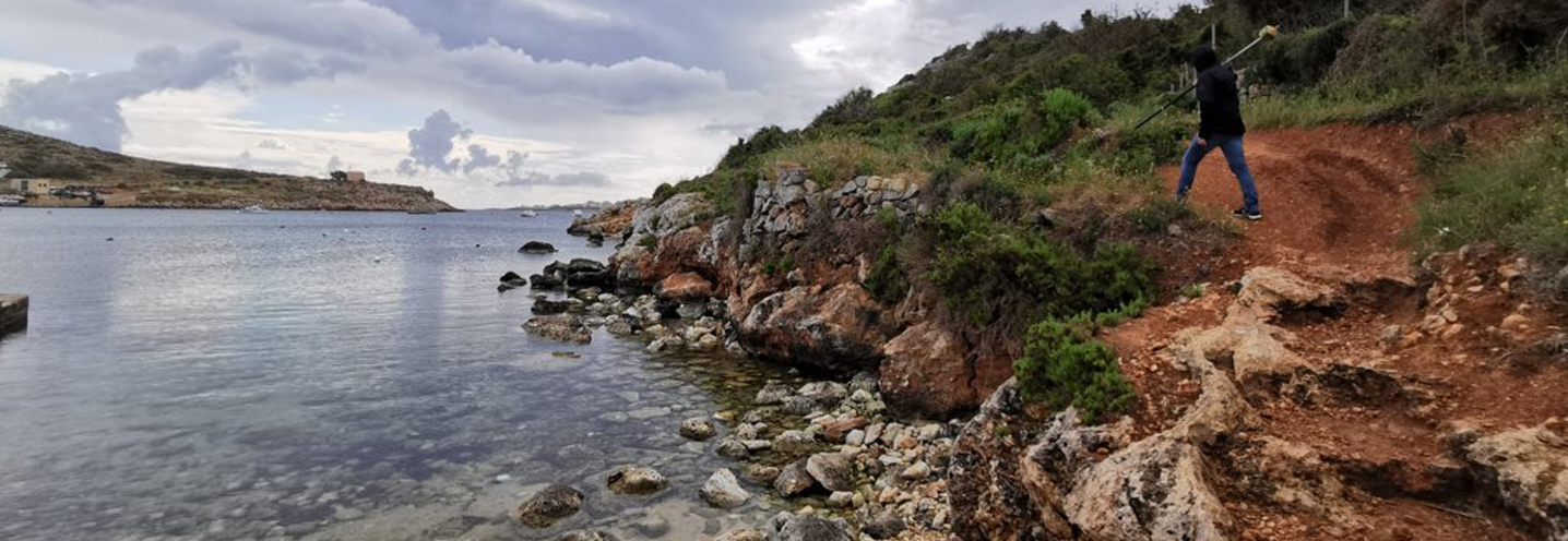 MELLIEHA- MISTRA BAY – Rilievo in corso sul promontorio sud-occidentale