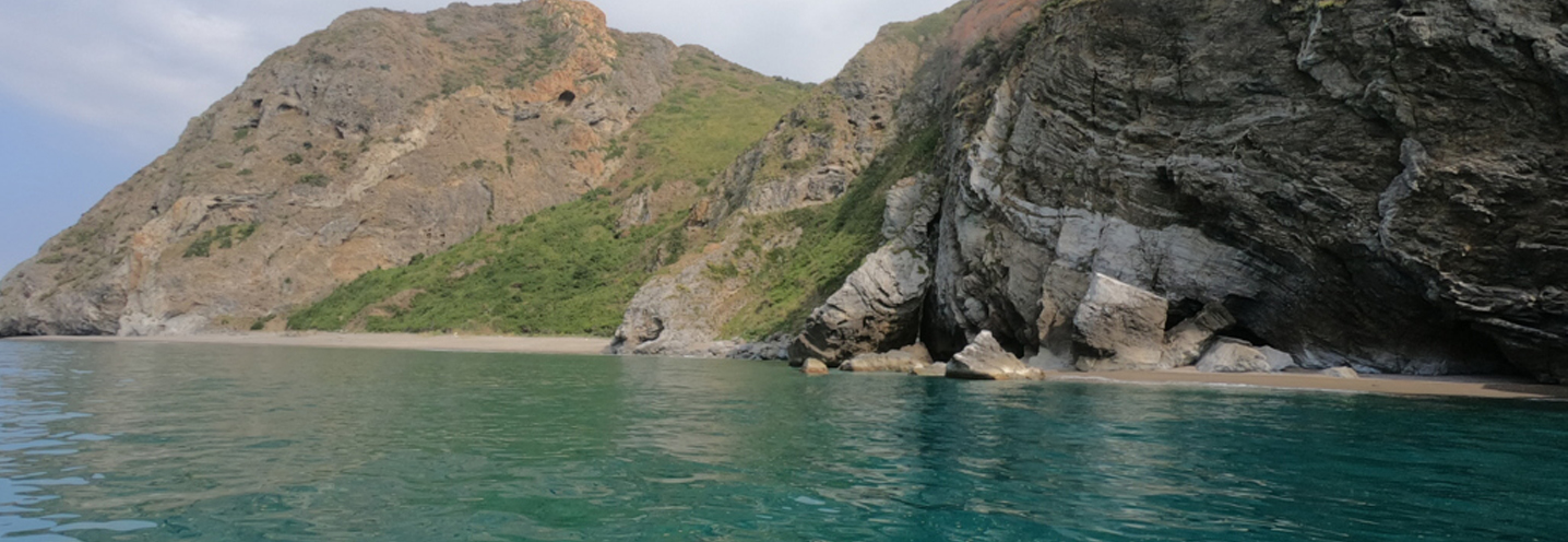 PATTI – Tindari Est – La pocket beach vista da mare