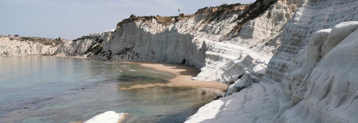 REALMOTE – SCALA DEI TURCHI CENTRO – Falesia e pocket beaches sullo sfondo