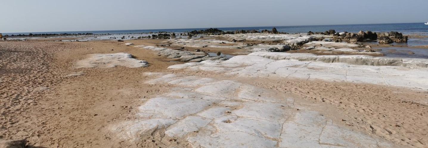 REALMOTE – SCALA DEI TURCHI EST – Affioramento carbonatico sulla spiaggia