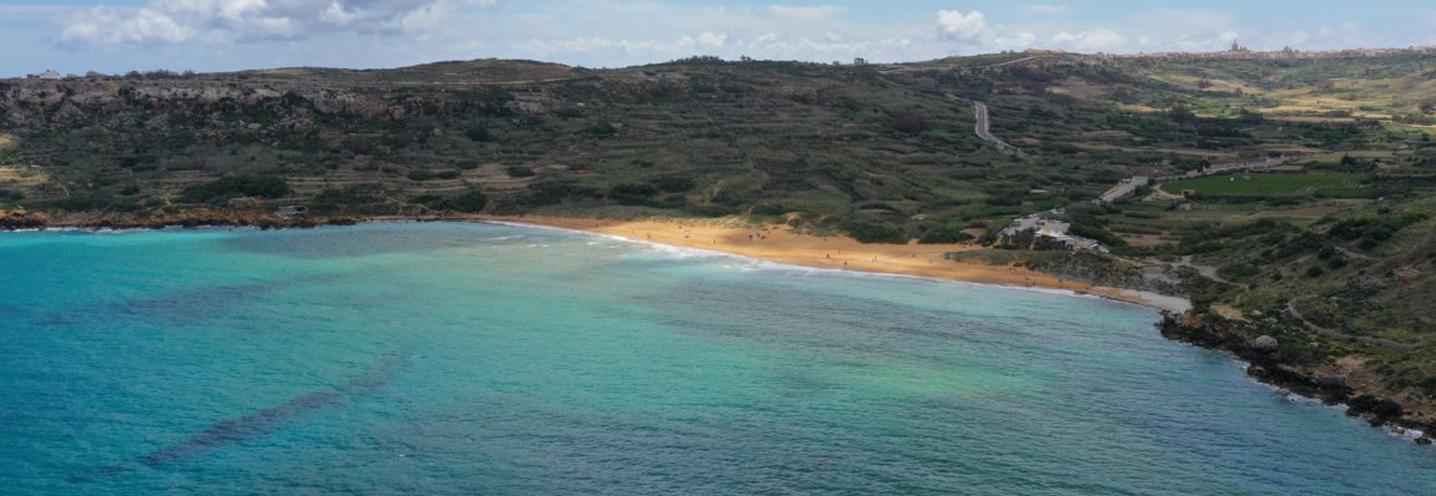 XAGHRA) – RAMLA BAY – Panoramica (foto da drone posizionato a nord della pocket beach)